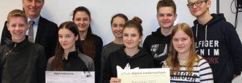 """Kultusminister Tonne zeichnet Raabeschule mit Landespreis """"schule digital.niedersachsen"""" aus"""